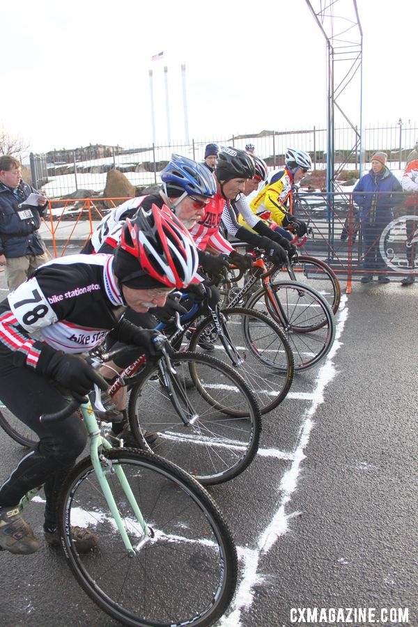 Ron Riley ready to go at the 70+ and 65+ start. © Cyclocross Magazine