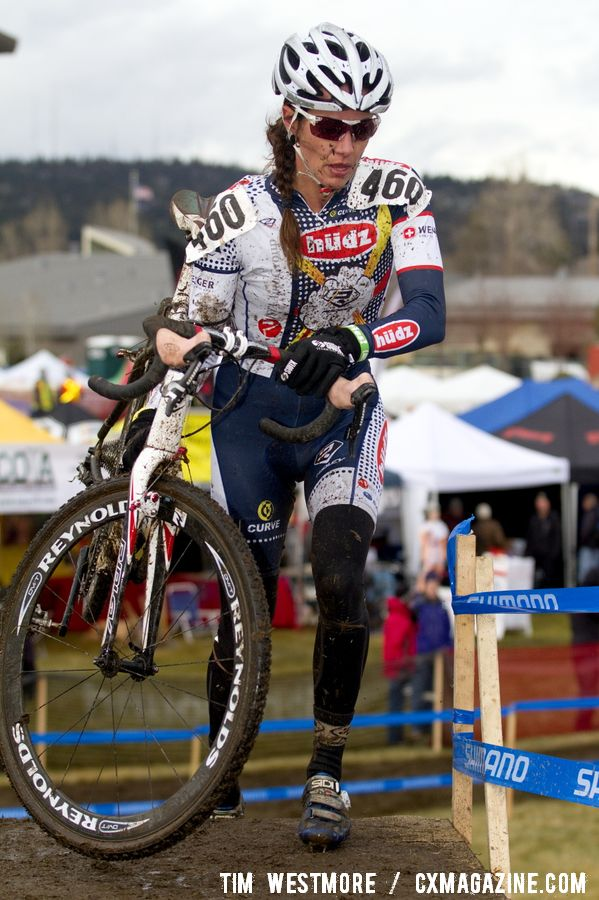 Nicole Duke used her downhill experience to master the slippery course and win the 35-39 race. © Tim Westmore