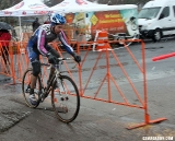 Hines chasing after an early crash. © Cyclocross Magazine