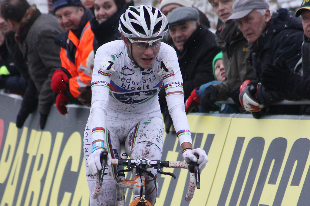 Marianne Vos rolls in for second ©Bart Hazen