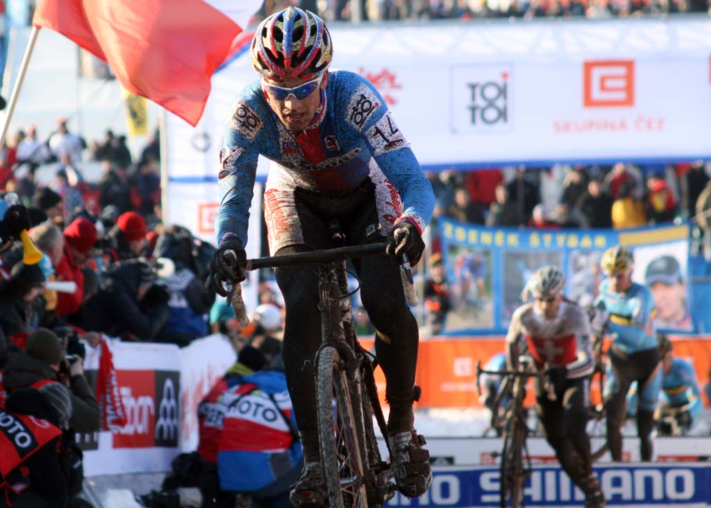 Stybar looks to open an early lead over Heule and the Belgian pursuers  ? Bart Hazen