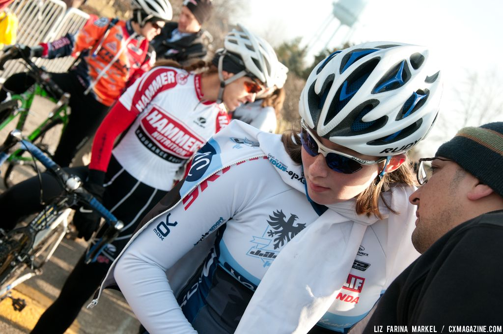 Victoria Gates (J.A.M. Fund/NCC) gets some final words of wisdom at the start line. ©Liz Farina Markel