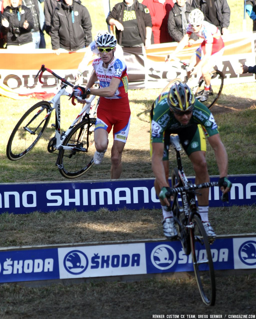 Men\'s Chase Group bunnyhops the barriers. © Renner Custom CX Team, Gregg Germer