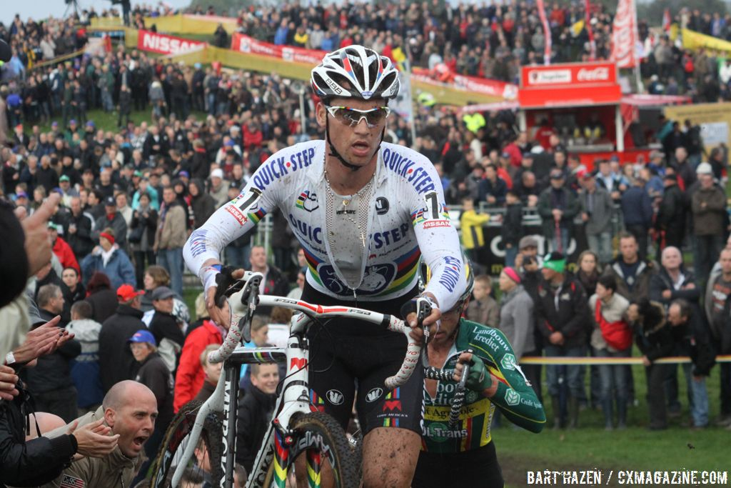 Zdenek Stybar with in the back the massive crowd © Bart Hazen