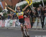 Niels Albert takes the win in Ruddervoorde. © Bart Hazen