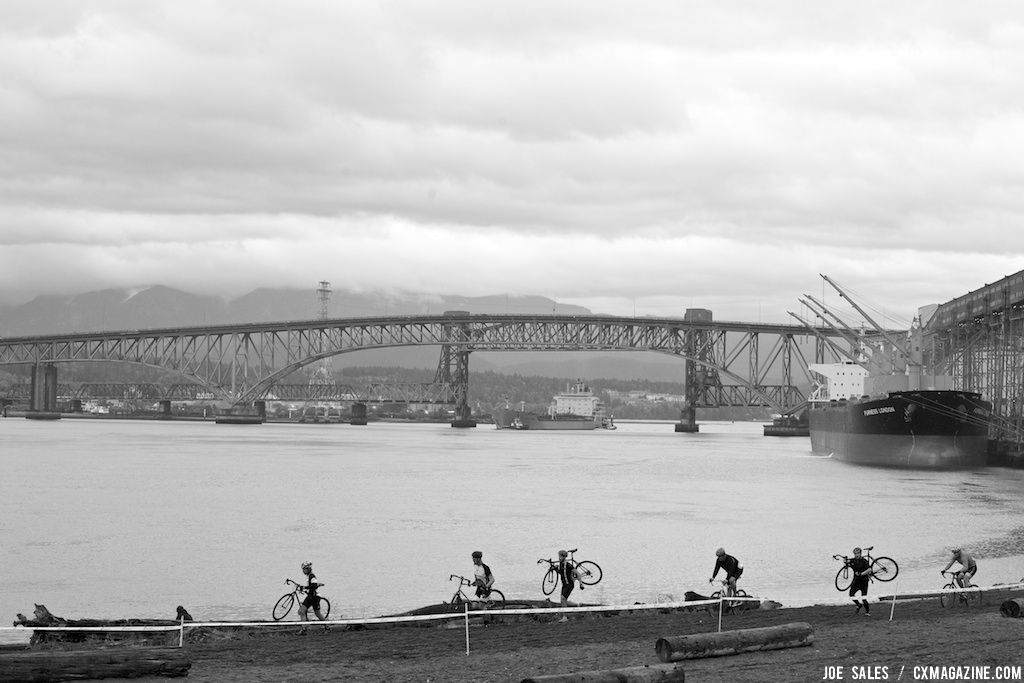 The New Brighton cyclocross course features a long sand section that riders have to navigate twice each lap. © Joe Sales