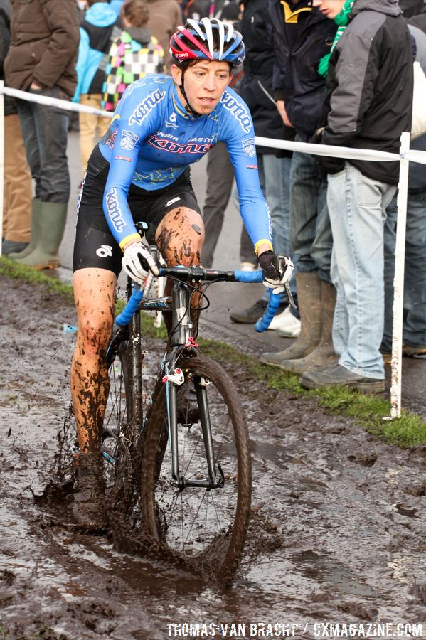Helen Wyman liked playing in the mud! © Thomas van Bracht