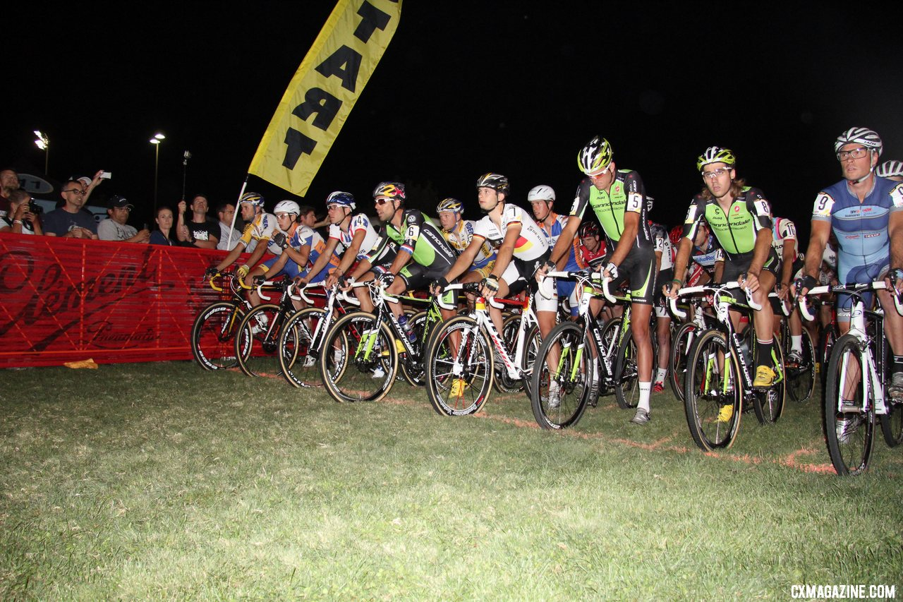 The Elite Men\'s start - CrossVegas 2012. ©Thomas van Bracht / Cyclocross Magazine