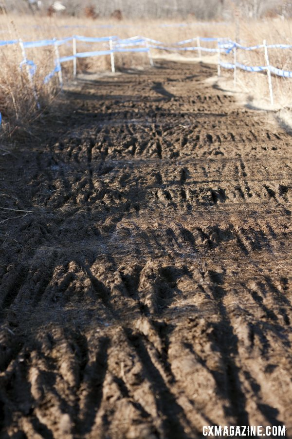 The 9 a.m. race course was filled with frozen ruts that caused lots of crashes. © Cyclocross Magazine