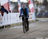 Lauri Webber rider looks down rolling through the start. © Cyclocross Magazine