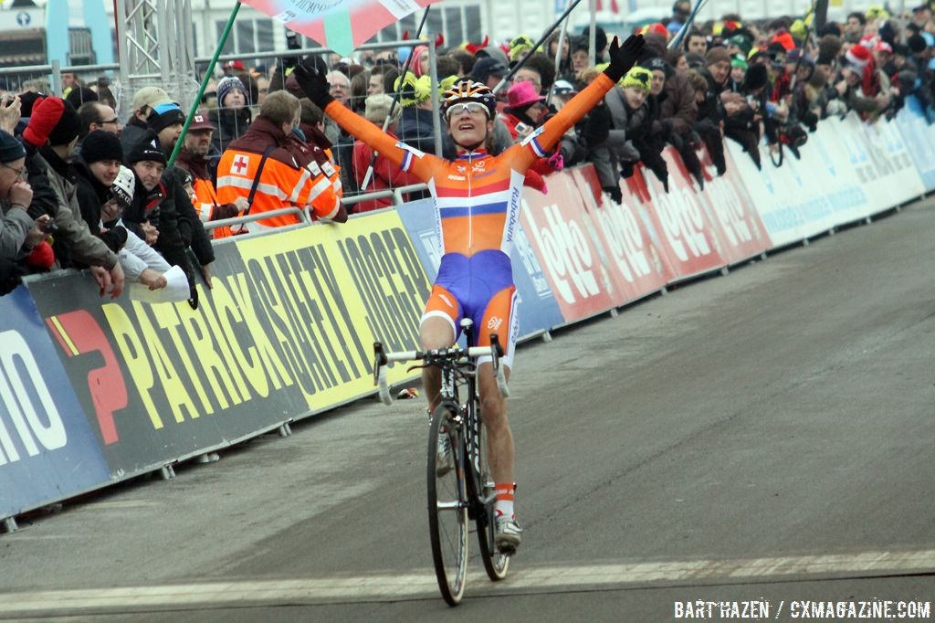 Vos soloed to another impressive win © Bart Hazen