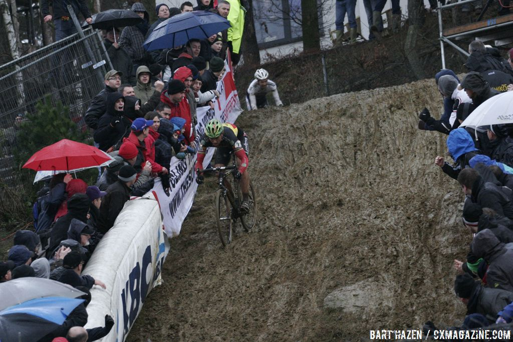 Sven Nys escaped on the descent © Bart Hazen