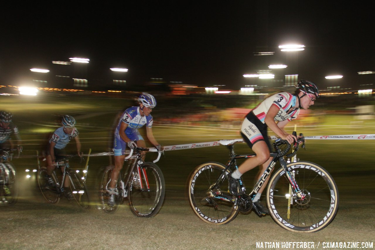 Gabby Durrin leads at Cross Vegas 2013. © Nathan Hofferber / Cyclocross Magazine