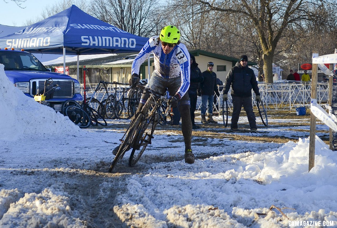 Craig railed the corners, and used the snowbanks to his advantage. © Cyclocross Magazine