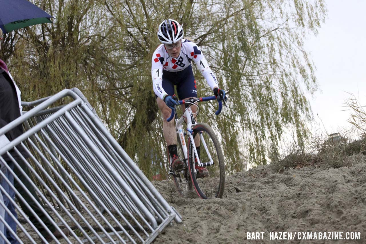 Katie Compton (Trek Cyclocross Collective) about to descend from the top of a sand berm. © Bart Hazen