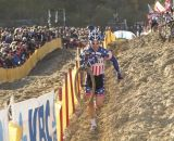 U.S. rider Jonathan Page (Fuji-Spy-Competitive Cyclist) takes the low route in the sand. © Thomas van Bracht