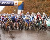 The start of the Elite Women's race. © Thomas van Bracht