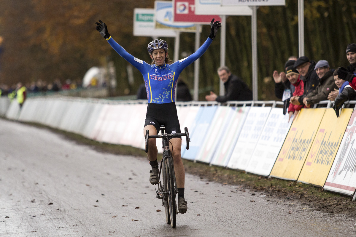Helen Wyman proved to be the best women\'s rider at Gieten. © Thomas van Bracht