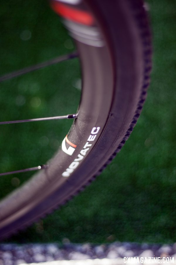 The Redline Conquest Pro carbon disc brake cyclocross bike features Novatec's new CXD 23.5mm wide tubeless ready rims. © Cyclocross Magazine