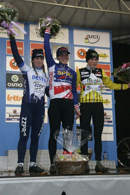 ag-womens-podium-mlc.jpg
