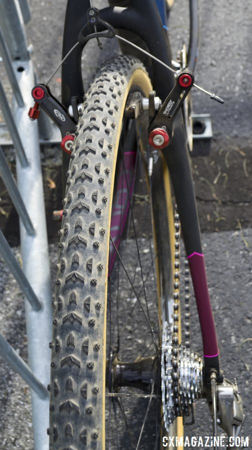 More old school: Challenge\'s timeless Grifo tubulars - Arley Kemmerer\'s Specialized Crux Pro cyclocross bike. © Cyclocross Magazine