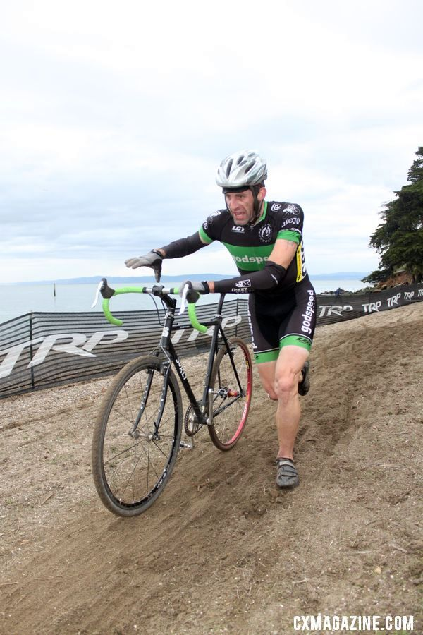 Run or ride the sand? That was the big decision. Bay Area Super Prestige 2010, Coyote Point Finals, 12/5/2010. ©