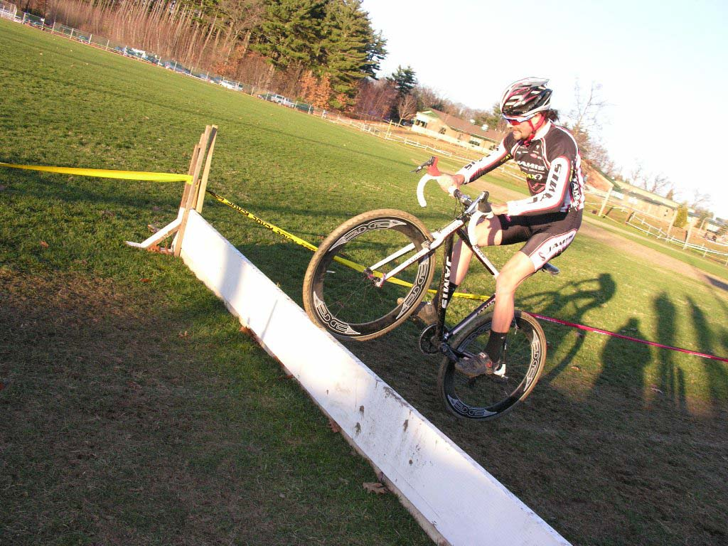 How to bunny hop the barriers. Baystate Cyclocross, Day 1. ? Paul Weiss