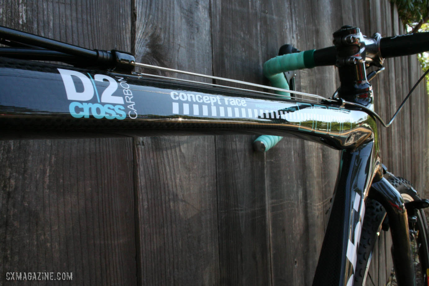 Flattened top tube on the Bianchi D2 Cross Concept Race