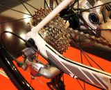 Rear brake is the Shimano R515 disc caliper with 160mm rotor.Shimano 105 and CX50 handle shifting. ©Thomas van Bracht