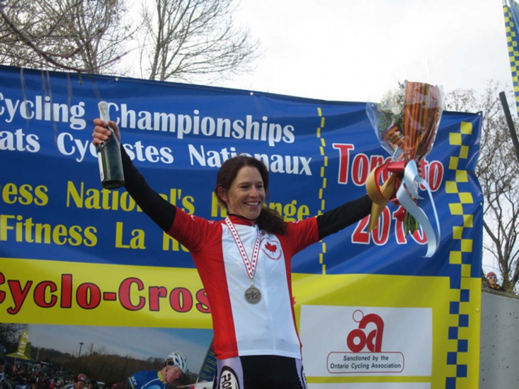 Wendy Simms (Ridley) takes fifth National Championship jersey © Norm Thibault