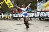 Vos wins at Cauberg Cyclocross. © Bart Hazen