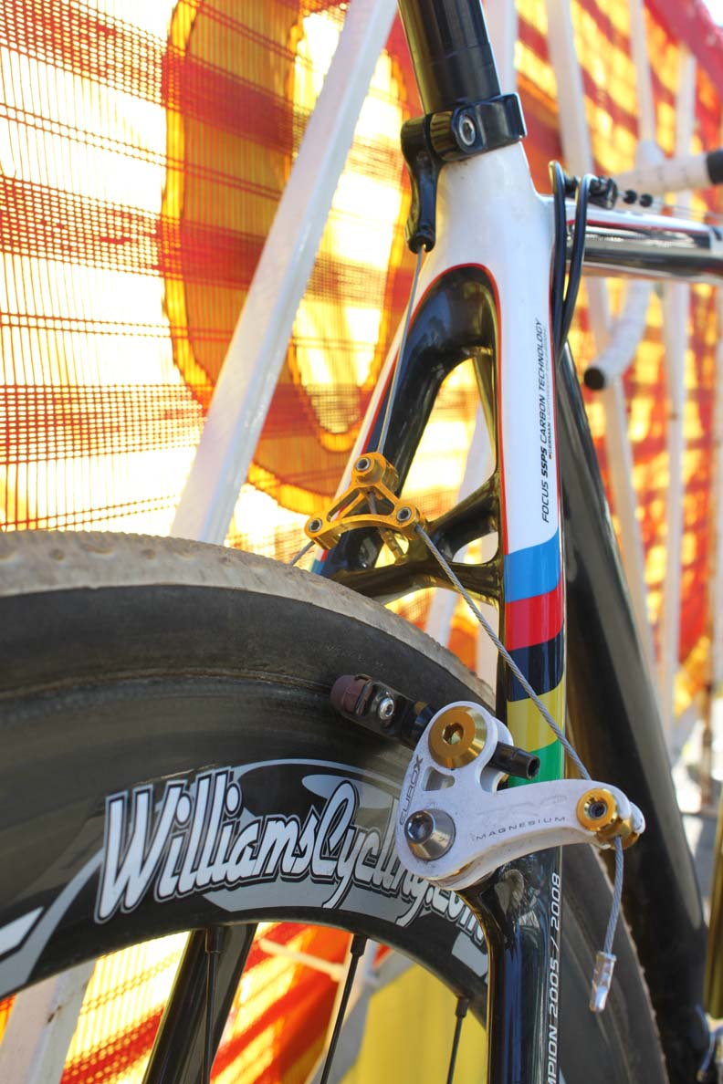The seat stays are braced to improve braking power. ? Cyclocross Magazine