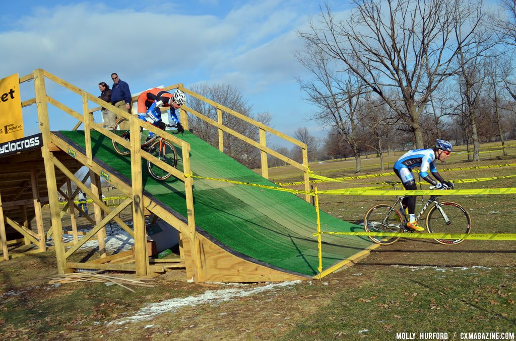 NIels snags the early lead at Cincinnati Kings International Cyclocross. © Cyclocross Magazine