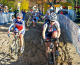 Katie Compton leads Caroline Mani in the sand © Jeff Jakucyk