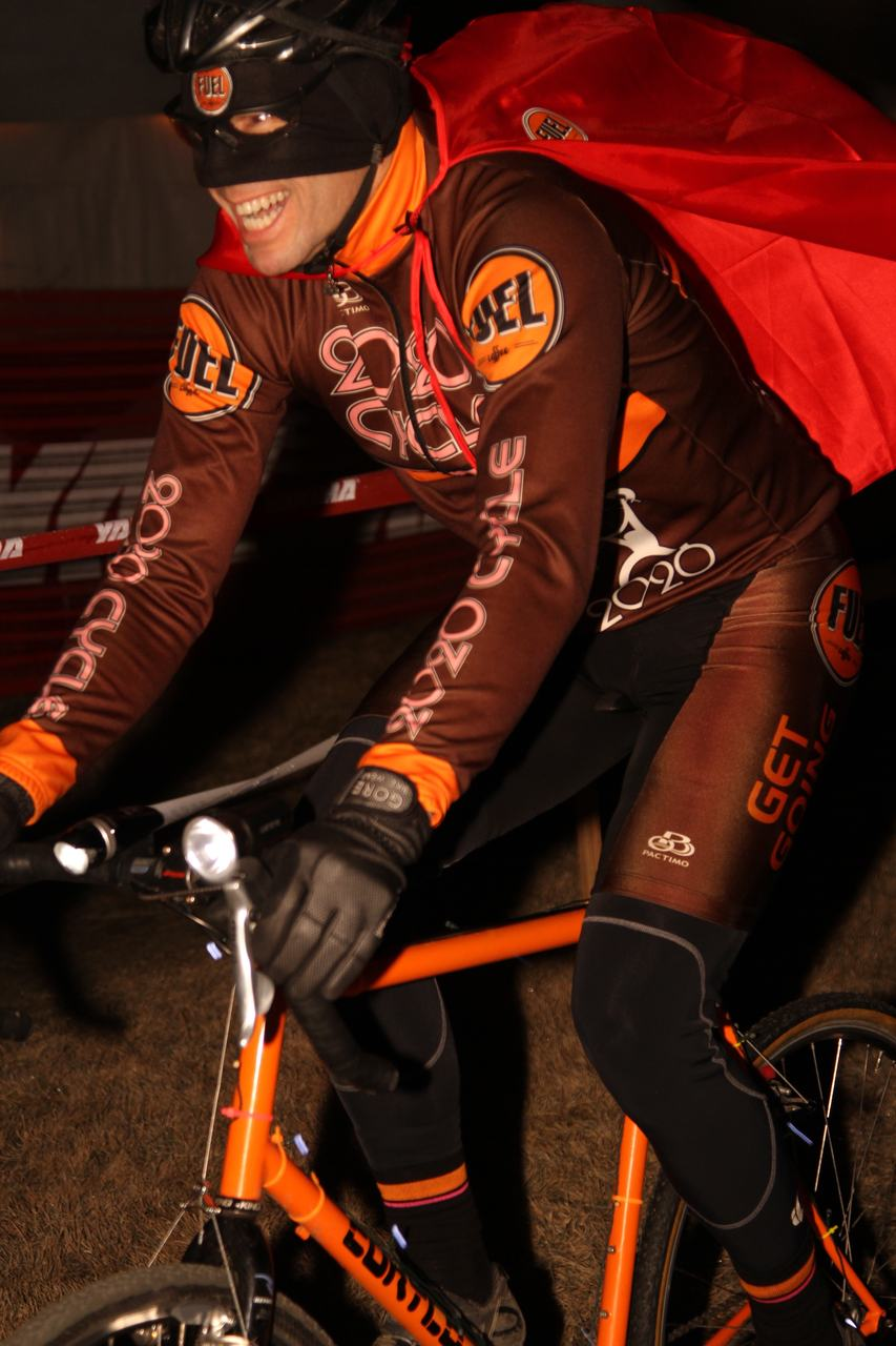 Dave Queen used a cape to fly through the course and protect himself from the beer. ? Cyclocross Magazine