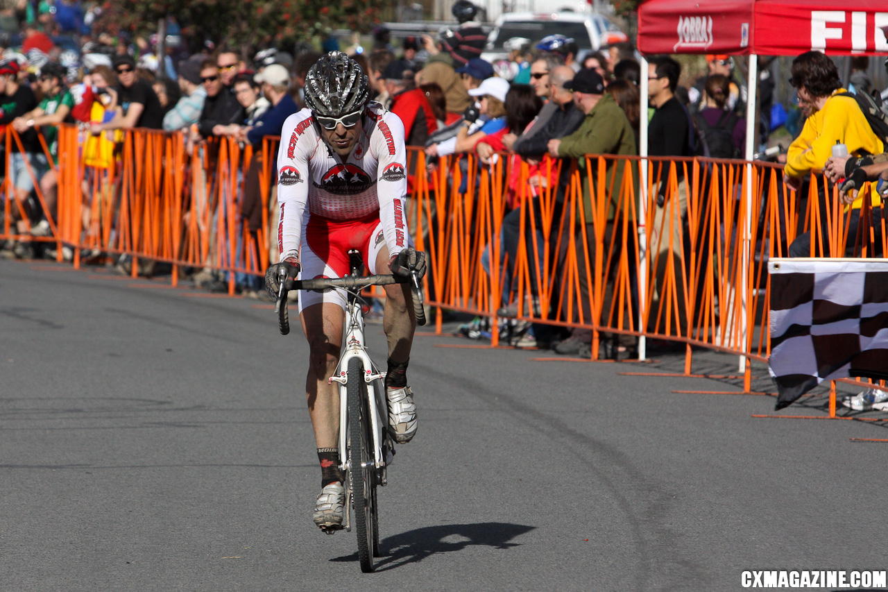 Chris Sheppard won the Elite men\'s race with a dominant ride. ©Pat Malach