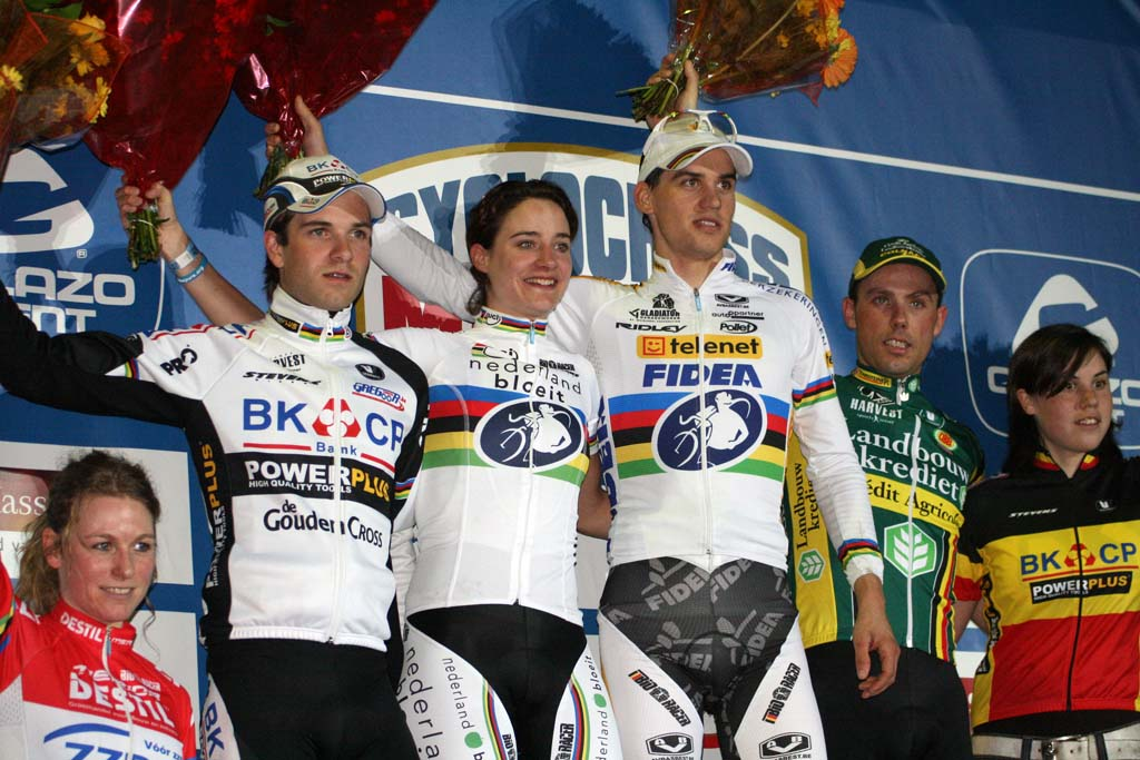 The men and women join each other on the podium. ? Bart Hazen