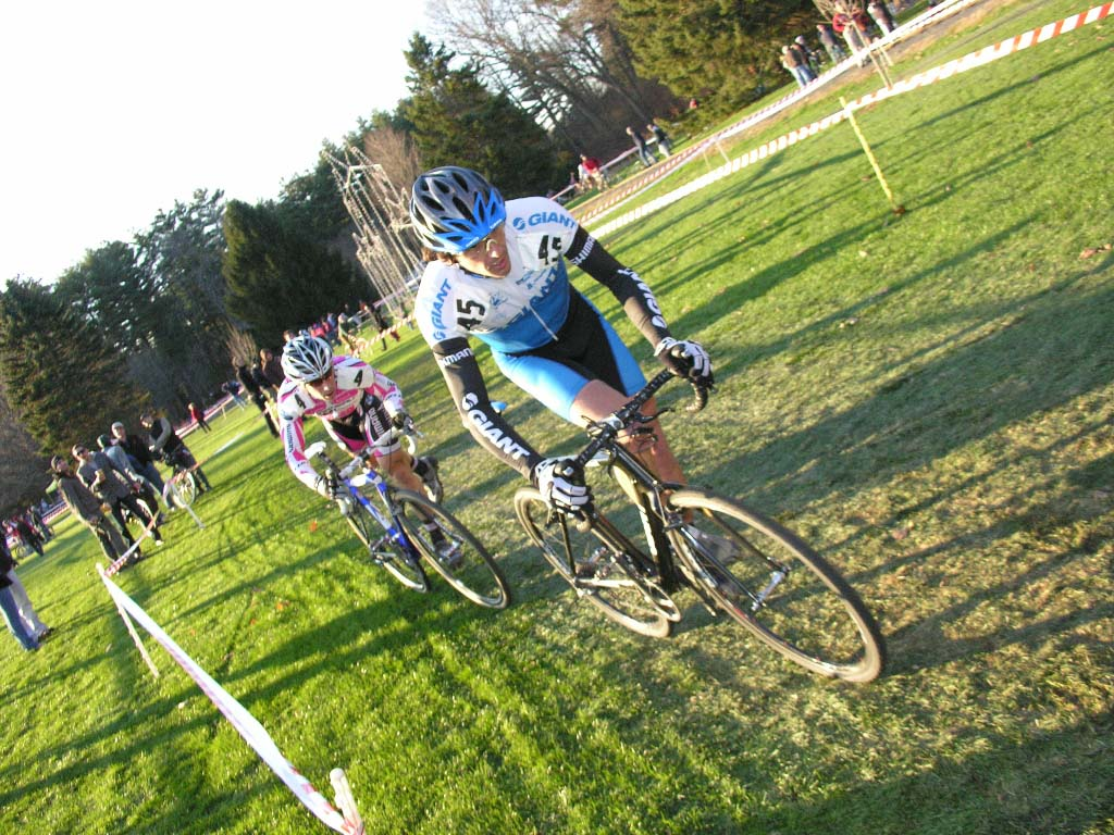 Adam Craig who started 5 rows back makes it to the front groups. ? Paul Weiss