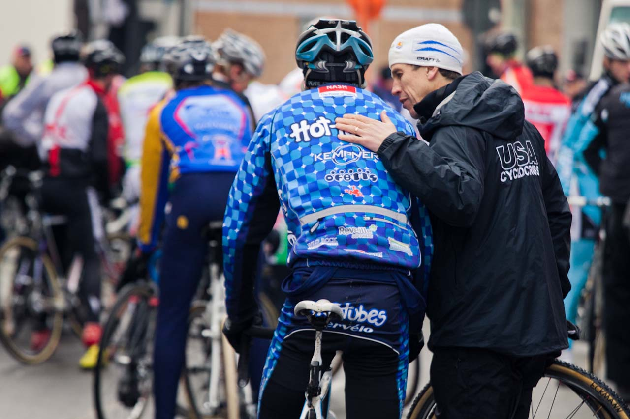Geoff Proctor giving last minute advice to Yannick Eckmann ©Tom Robertson