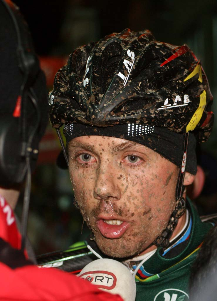 Sven Nys speaks to the press after abandoning in Diegem. ? Bart Hazen