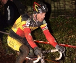 Sven Nys would end the day carrying his broken bike across the line. © Bart Hazen