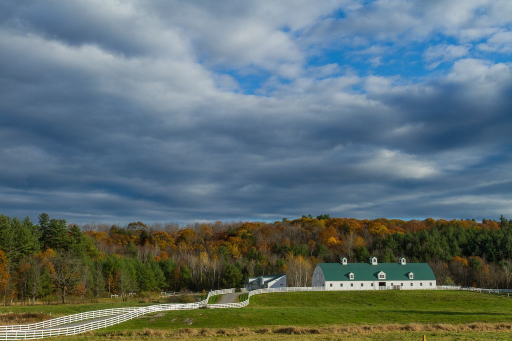 Downeast Cyclocross Weekend offers racers some distracting scenery on a gorgeous New England autumn day © Todd Prekaski