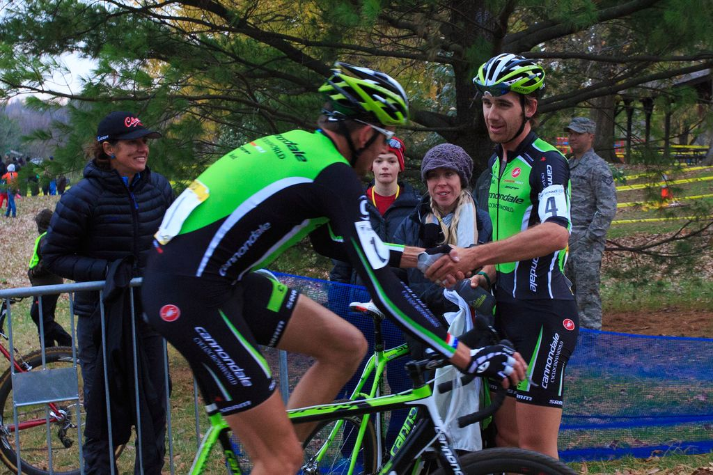 cincy3-cx-festival-day-3-trebon-and-driscoll-shake-hands-on-a-great-day-of-teamwork-by-kent-baumgardt