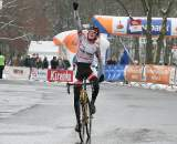 Kramer crosses the line like a pro. ? Bart Hazen