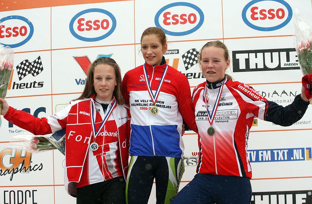 004BeginnersWomen_podium