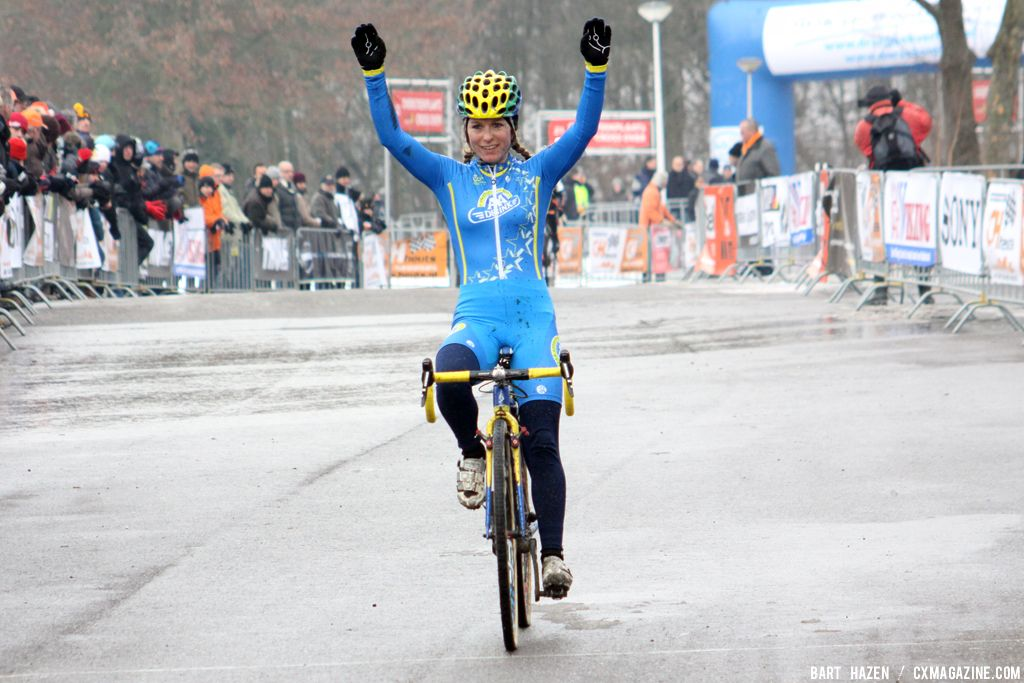 Van den Brand wins at GP Heuts. © Bart Hazen