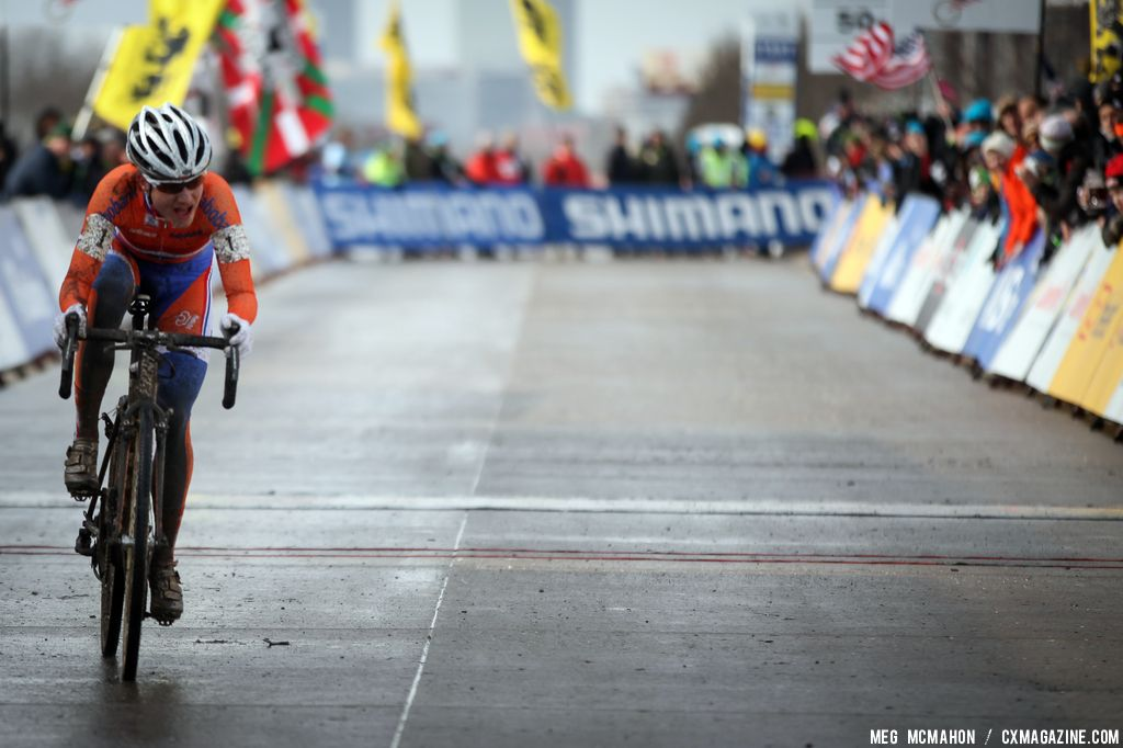 Vos gets one to go in the Elite Women World Championships of Cyclocross 2013 © Meg McMahon