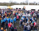 Crowds getting ready for the race action at Elite Women UCI Cyclocross World Championships. © Thomas Van Bracht