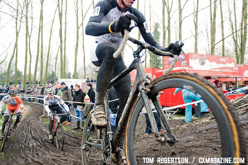 Slick mud made line choice important. © Tom Robertson