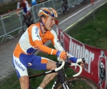 Bart Aernouts chased hard. ? Bart Hazen